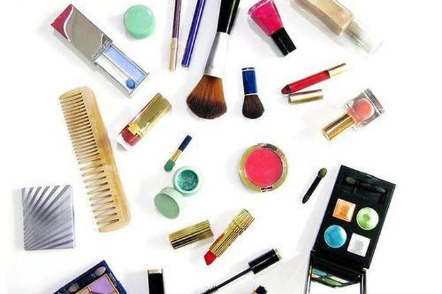 如何正确使用化妆品、辨别假冒伪劣 看专家给你支招