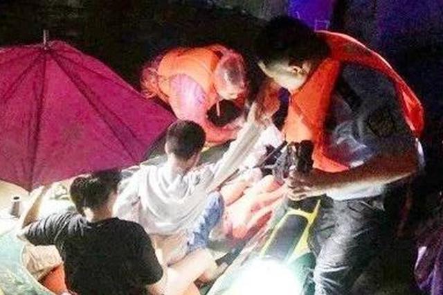 洪水中警徽闪耀 资源公安奋力抗洪救灾保护人民安全