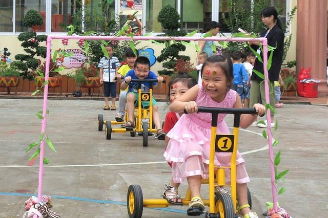 通宵排队成为历史!钦州城区公办幼儿园这样报名