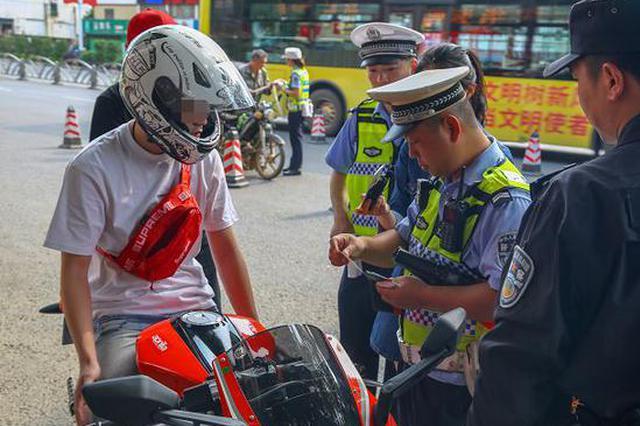 桂林近3万起交通违法被罚 电车进机动车道是严查重点