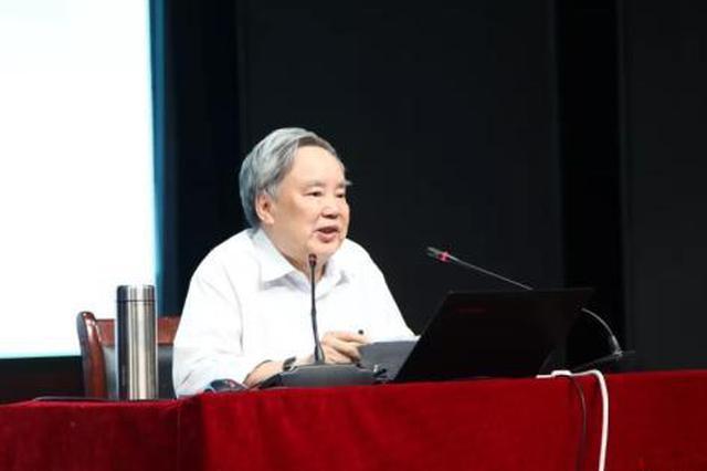 """温儒敏:""""高考语文要让15%考生做不完卷子""""是讹传"""