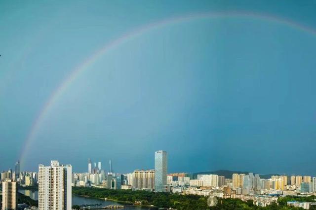 朋友圈被雨后彩虹刷屏!南宁发布了暴雨红色预警