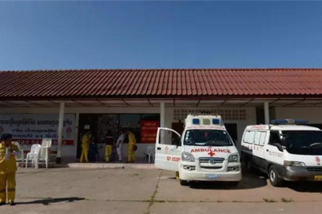 首批中国旅行团老挝车祸伤员已转运回国治疗