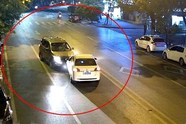 一分钟内连撞两车逃离现场 柳州这位司机请速来投案