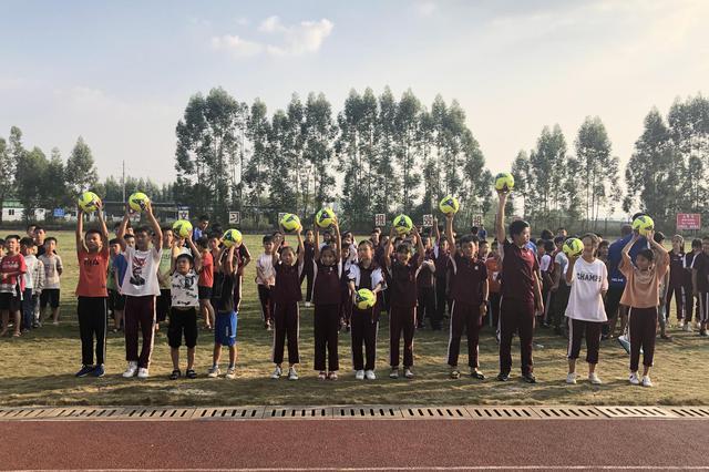 2019年龙桂达南宁龙翔学校校园足球活动