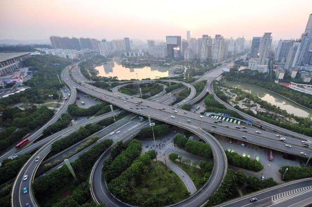 南宁市将全力打造区域性现代综合交通枢纽