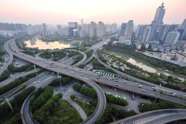 全力打造区域性现代综合交通枢纽 南宁要做这件大事