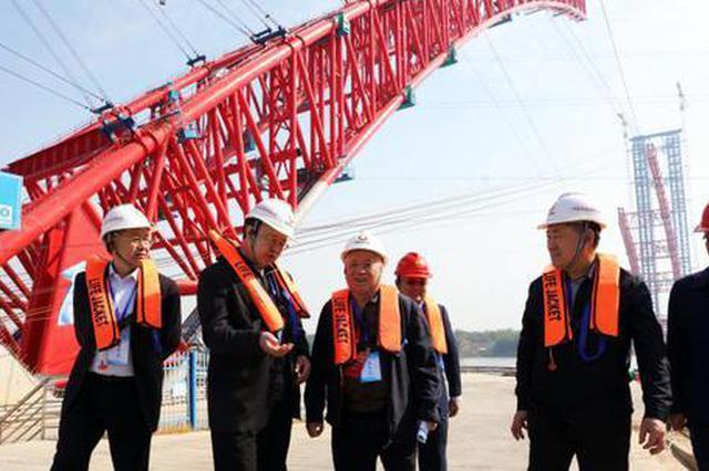广西平南三桥即将拱肋合龙 将成为世界最大跨径拱桥