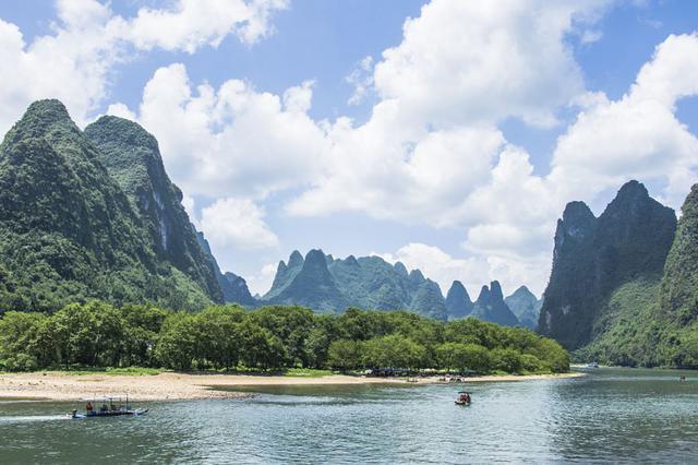最美山水间——漓江生态保护与开放发展路径调查