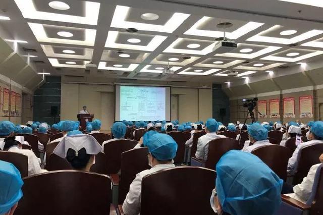 自治区人民医院首批驰援武汉医疗队集结 21个名额报名850人