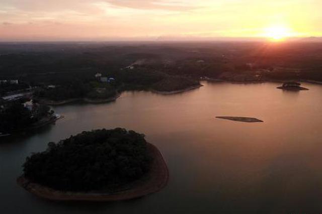 电视剧《水浒传》外景基地广西北海星岛湖晚霞美如画