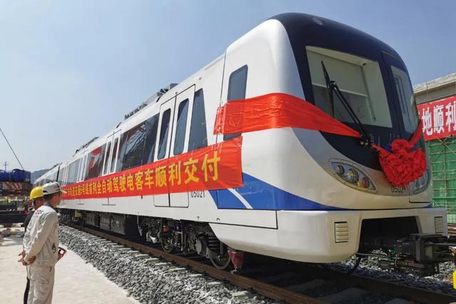 它来了!南宁地铁5号线全自动驾驶列车到达南宁(图)