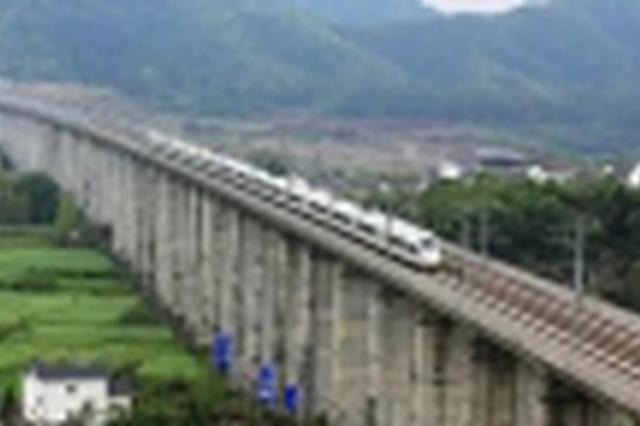 10月6日央视《坐着高铁看中国》走进贵广高铁广西段