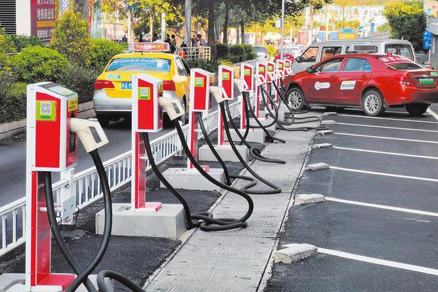 广西加建公共充电桩 按时段收费更优惠