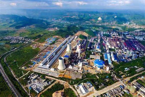 图为位于平果县的华磊新材料有限公司轻合金材料项目。