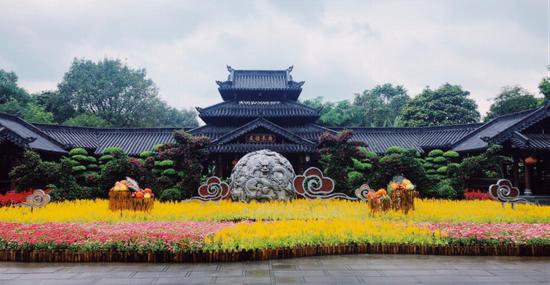 """青秀山景区""""友谊长廊"""" 花常开 景常在 周柳盈/摄"""