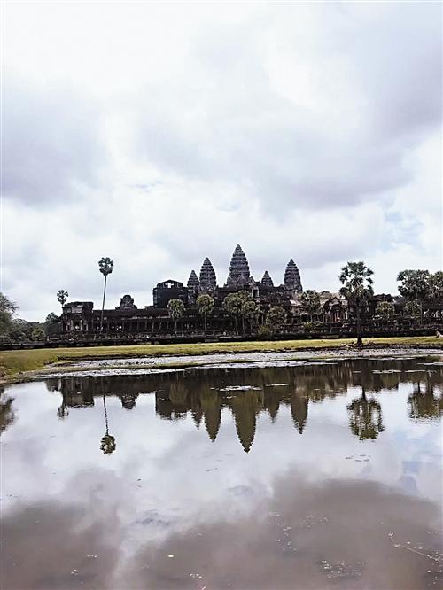 柬埔寨吴哥窟 周小米 摄
