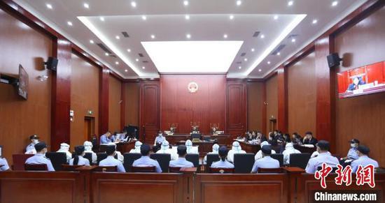 图为庭审现场。平桂区法院供图