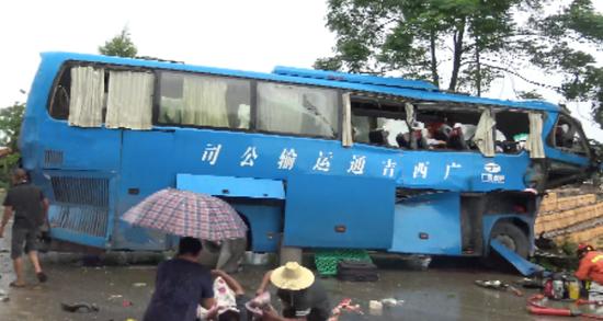 最新消息!南宁警方通报5死5伤交通事故深度调查情况