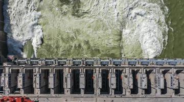 广西大藤峡水利枢纽左岸工程投产运行