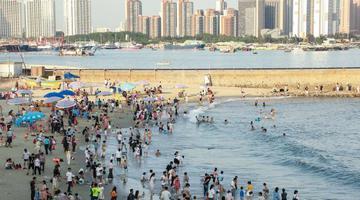 """五一假期北海""""海枯石烂""""景点游人如织"""