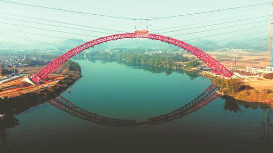 吴圩机场至隆安高速新进展!沙尾左江特大桥拱肋合龙