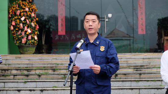 兴宁消防大队大队长廖志高讲话