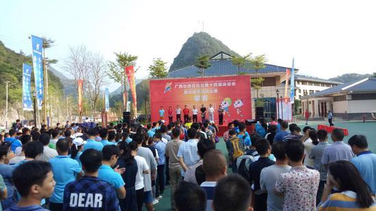 广西壮族自治区第十四届运动会群众体育项目攀岩比赛开赛
