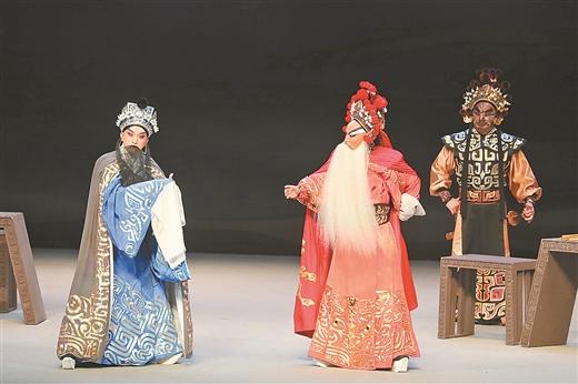 4月17日,京剧《春秋二胥》在南宁参加第29届中国戏剧梅花奖竞演。记者 周 军 摄