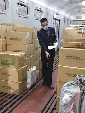 广西首批铁路运输防控物资发往武汉