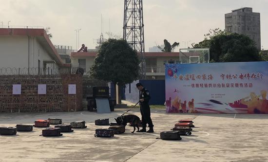 平安温暖回家路!宁铁警方举行安全宣传活动备战春运