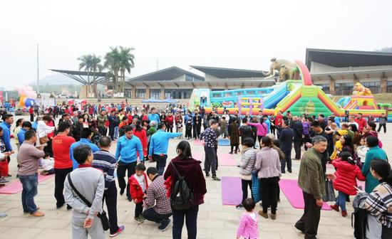 每年春节,南宁市李宁体育园公益惠民活动成为众多市民过节的重要选项(资料图)