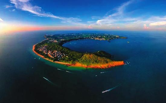 涠洲岛南湾鳄鱼山景区拟确定为国家5A级旅游景区 覃坚摄