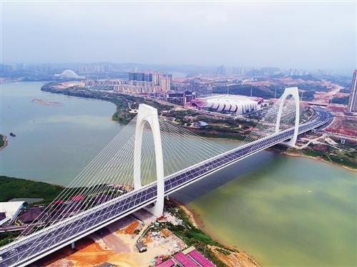 青山大桥贯通,将龙岗片区与凤岭片区连成一线