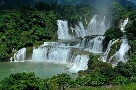 图片来源:德天瀑布景区