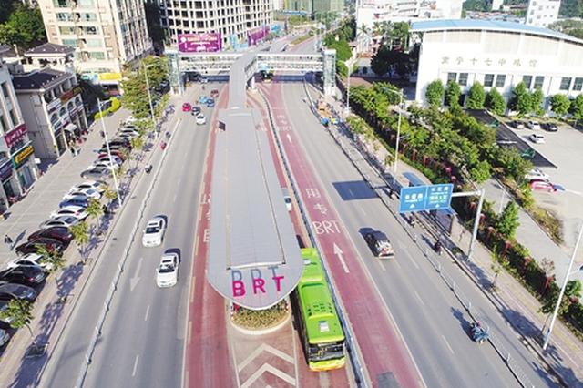 南宁BRT开通改善长堽路沿线出行 大客运量疏散客流