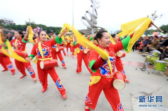 红红火火过大年!广西三江斗江社区舞狮闹春
