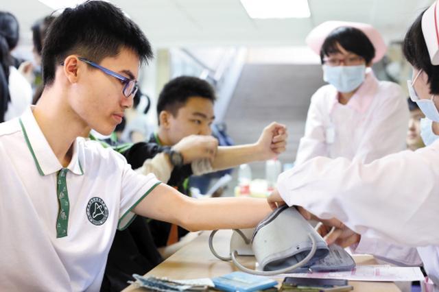 为高考生提供优质体检服务 南宁9200余名学子体检