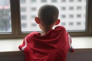 孩子患自闭是有原因的