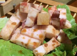 #寻味多彩贵州# 【瓦片烤肉】