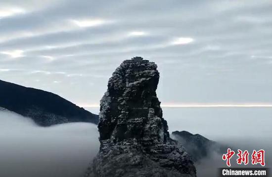 資料圖為梵凈山冬日美景?!∏裼?攝
