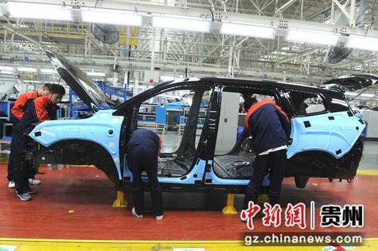 资料图:吉利豪越汽车生产线 观山湖融媒体中心供图