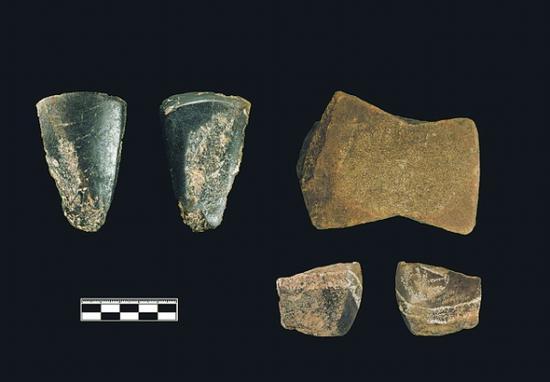 招果洞遗址出土的磨制石器。(贵州省文物考古研究所供图)