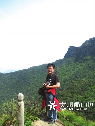 从1992年起,为了寻找华南虎的踪迹,冉景丞的足迹遍及全省各地。