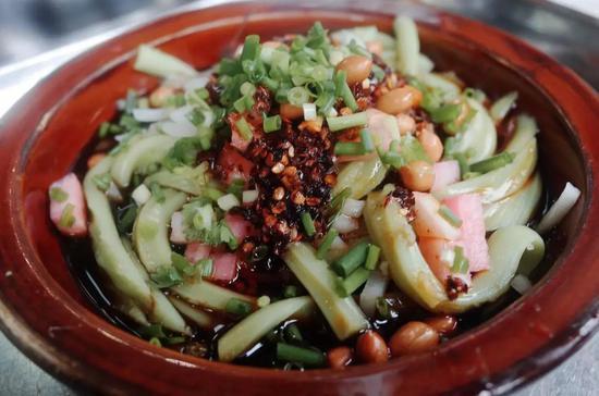 ▲凉拌米豆腐(童婧 /摄)