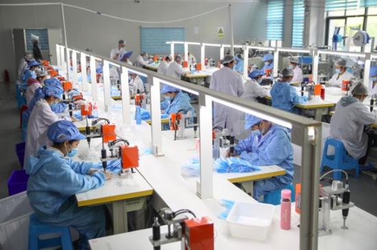 劳动密集型企业为贫困地区提供就业保障