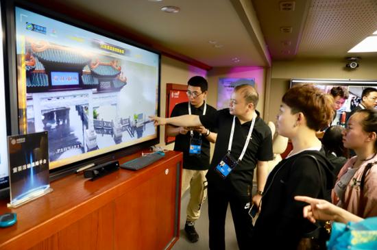 大块头有大智慧——探秘中国移动5G+应急保障指挥车
