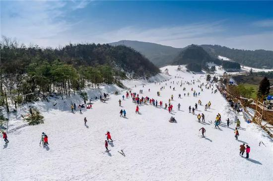 ▲水城县·玉舍雪山滑雪场