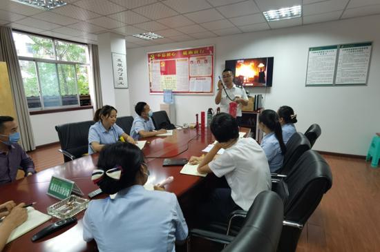 邮储银行施秉县支行开展消防安全知识专题培训