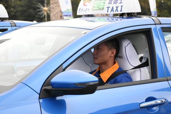 贵阳2019年首批M100甲醇出租汽车正式交付